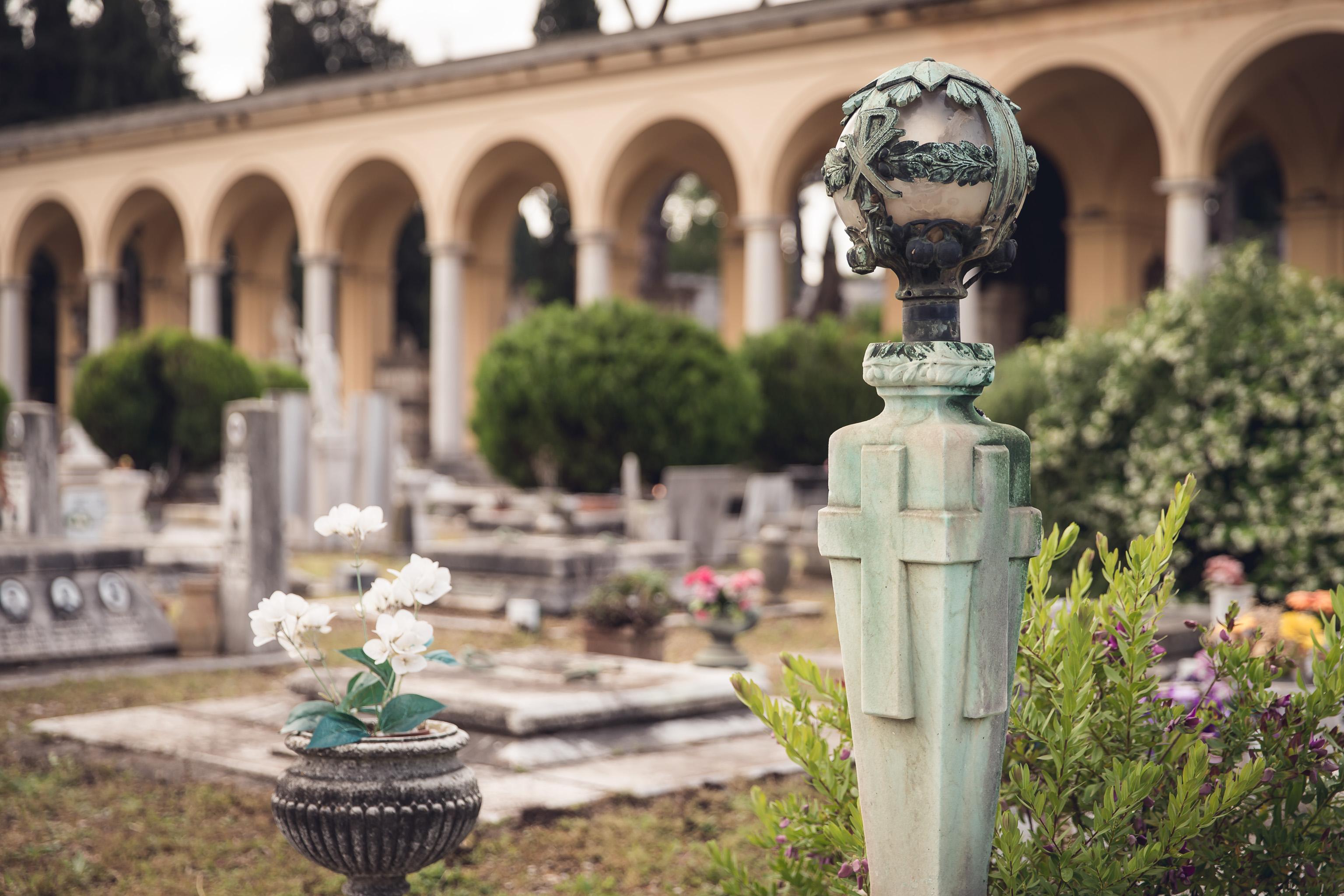 pratiche di estumulazione e successiva cremazione allo scadere della concessione del loculo cimiteriale